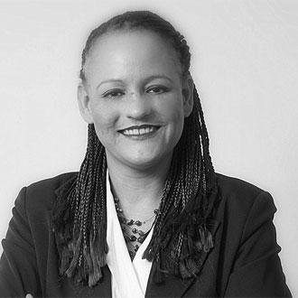 Tina Nkobi, Dipl. Päd.